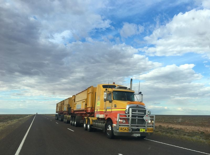 普通免許で乗れるトラック乗れないトラック