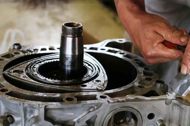 エンジンオイルの役割