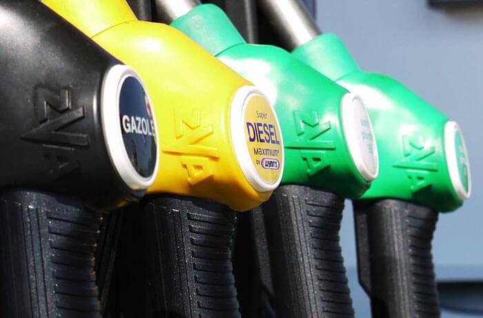 トラックの燃費は乗り方やメンテナンス次第で向上できる