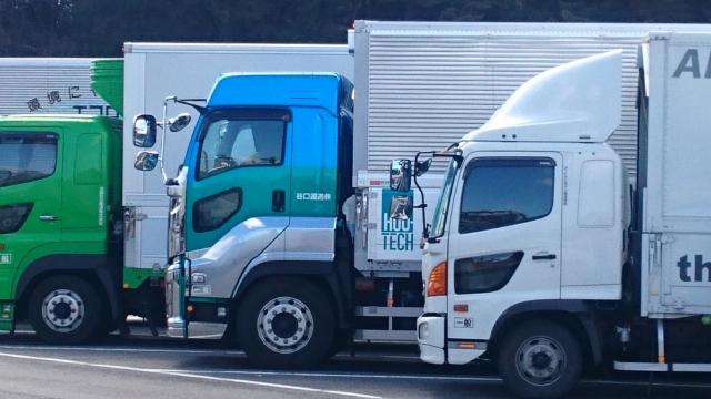 トラックは荷台の高さによって3つのタイプに分類