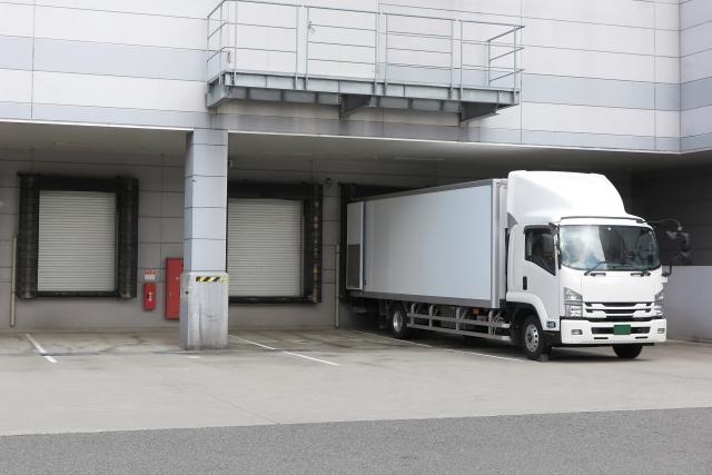 積み荷を汚さず安全に運送できるアルミバンの特徴を大分析!