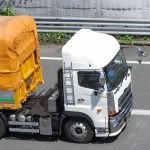 トラクターヘッドとは?トレーラー構造・種類・最大積載量・運転に必要な免許区分とは?
