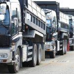 過積載に注意!ダンプカーの最大積載量と荷台寸法は要確認すべき!