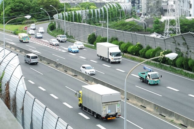 意外と知られてない?トラックの種類や特徴・使用用途など大解説