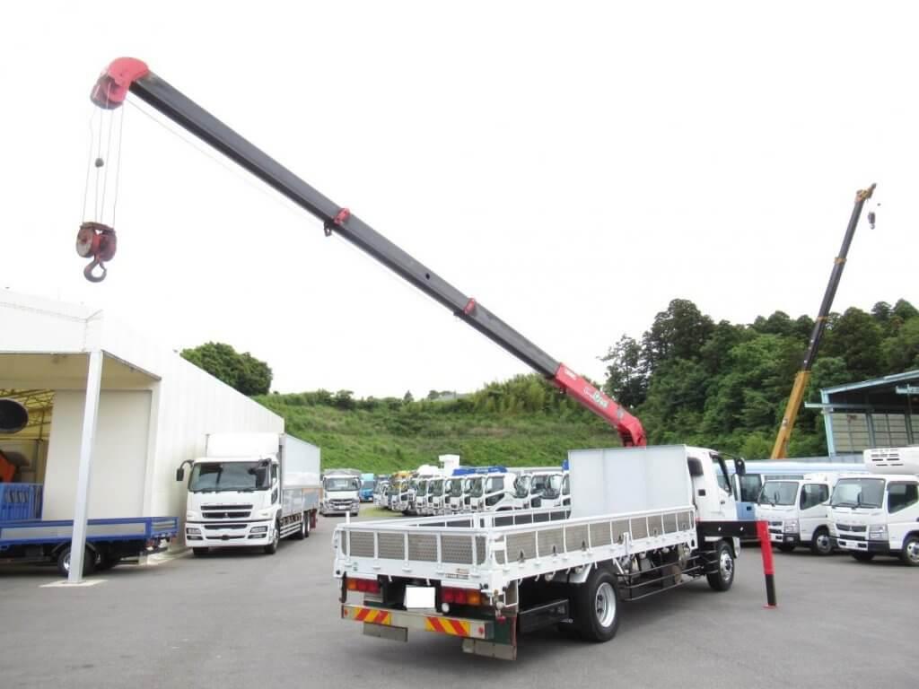 現場ニーズの高いユニック車!クレーン付きトラックの特徴・用途・耐用年数を紹介!