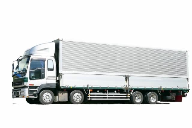 業務用トラックの中で高いシェアを誇るウイング車とは?