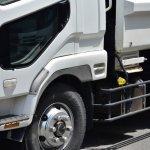 トラックに搭載される排気ブレーキの仕組み・故障時の対処法や修理費用の目安を紹介!