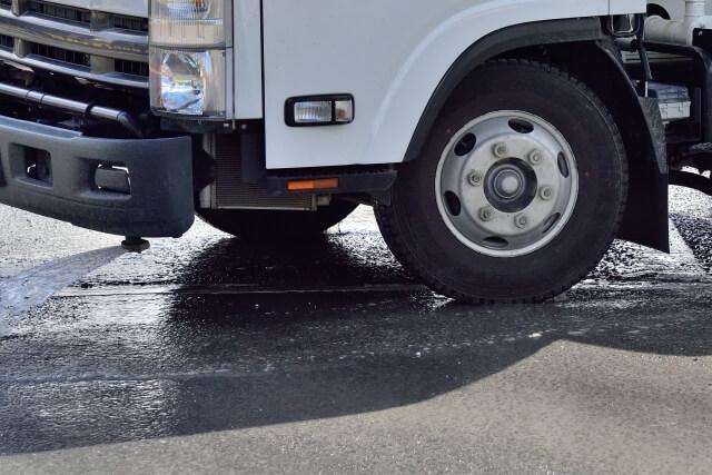 トラックの重要部品!ブレーキの種類や上手な使用法、故障の際の対処法とは?