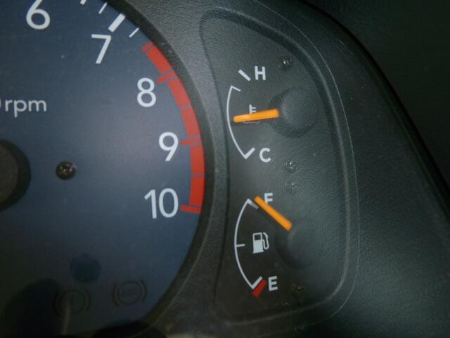 エンジン温度管理の要!サーモスタットの仕組みや主な故障原因・対処法とは?