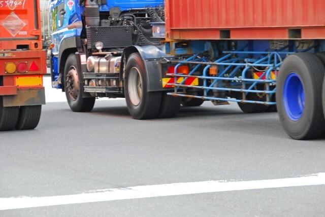 トレーラー牽引は道路運送車両法によって牽引登録が義務付けられている!