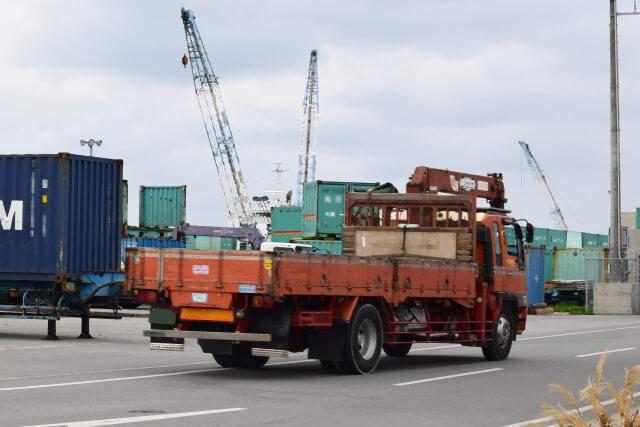 トラックのエアドライヤーとは?仕組みや故障時の対処法、修理費目安を大紹介!