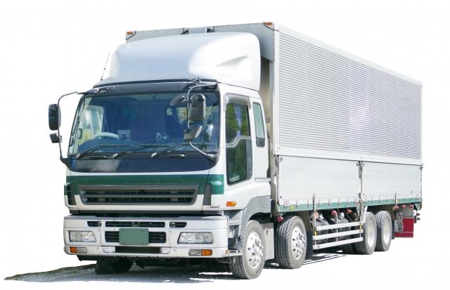 より大きな荷室搭載が可能?低床4軸トラックの特徴やメリット・デメリットを大紹介!