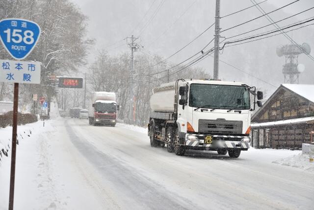 トラックに生じるオーバークールの主な症状や発生原因・修理費用の目安と予防策とは?
