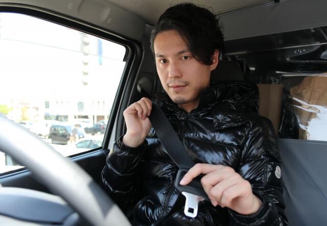 トラックの車両感覚や運転感覚は乗用車と大きく異なる