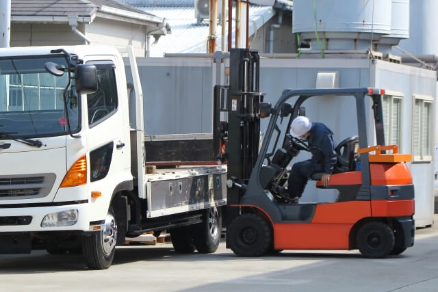国内の物流事業に大きく貢献するトラック運送事業
