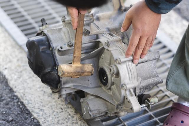 トラックの搭載パーツの多くは使用と共に摩耗・劣化が進行する