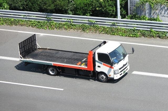 一般的に知られるトラックの最大積載量は標準仕様の積載量!