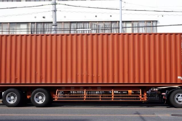 コンテナ輸送はコンテナを積載するトラックに支えられている