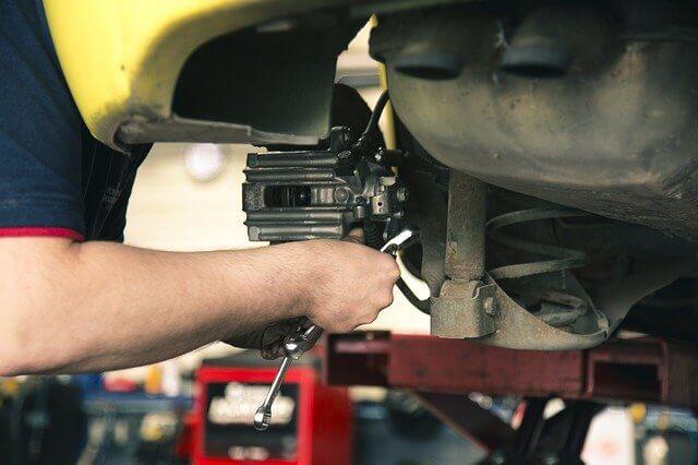 トラック整備士はトラックの安全な運行のためには欠かせない重要な仕事