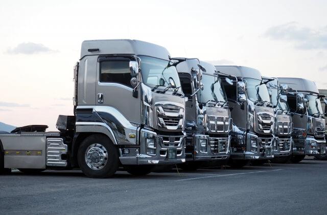 自動車の駆動方式はエンジンと駆動輪の位置関係で4つに大別される