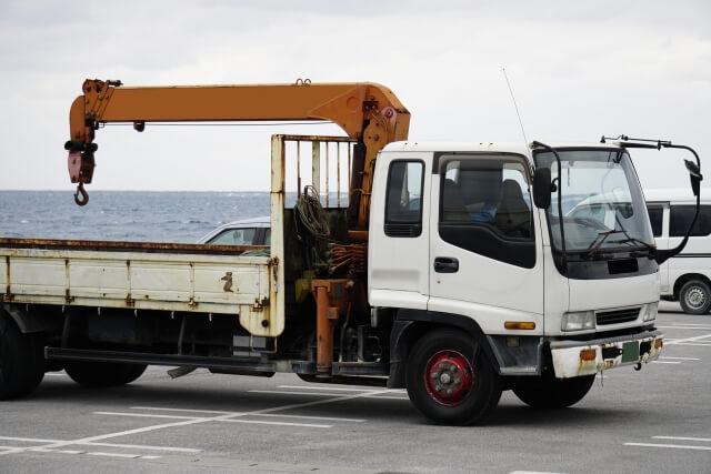 車両積載形トラッククレーン