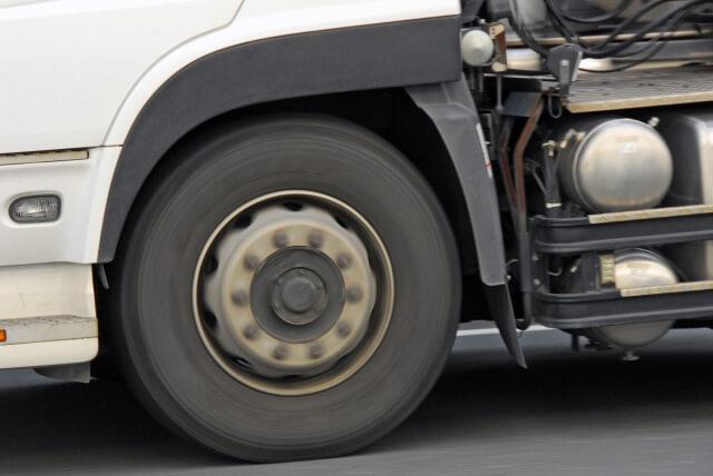 年間走行距離が大きなトラックに発生リスクが高い整備不良とは?