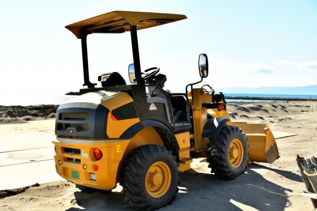 取得はトラックドライバーに有利?重機・建設機械免許の種類と取得費用や方法とは?