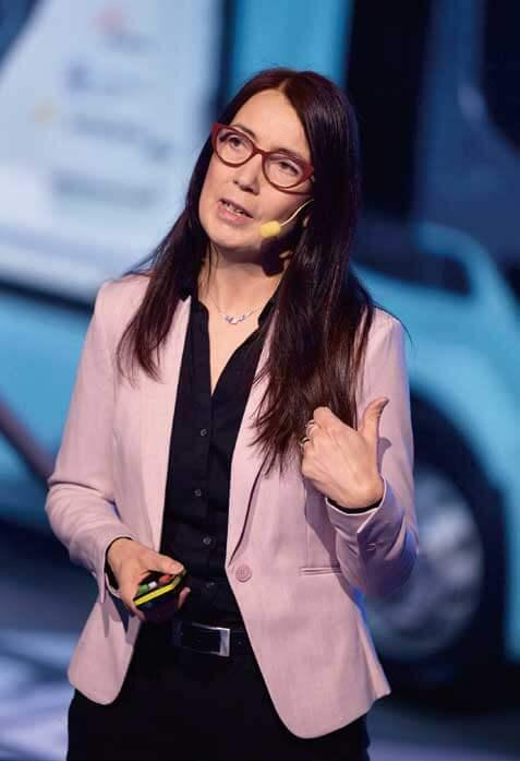 ボルボ・トラックス社で電動車の用途開発を担当するアンナ・トールデンによれば、運転操作の善し悪しで一充電走行距離は大きく影響を受ける...ザ・トラック