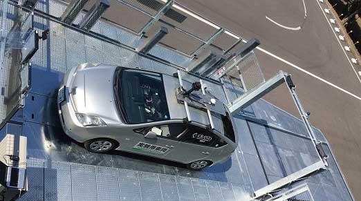 ④ 「③」の位置情報に基づき自動運転車が経路を判断 ⑤ 「③と④」を繰り返すフィードバック制御により駐車完了...ザ・トラック