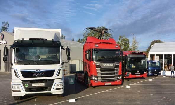 将来のトラトンの車達は電動化を指向している。MAN TGM 26-ton、パンタグラフ付きのScania R450 hybrid(特定道路に架線を設置して、そのルートを走行するときは架線から集電しつつ走行する)及びCityWideLFバス、そしてVW e-Deliveryブラジル生産車が整列していた...ザ・トラック
