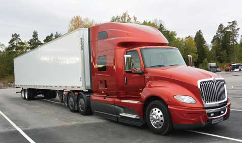 トラトンの北米のパートナーであるナヴィスター・インターナショナルからも試乗車が参加していた...ザ・トラック
