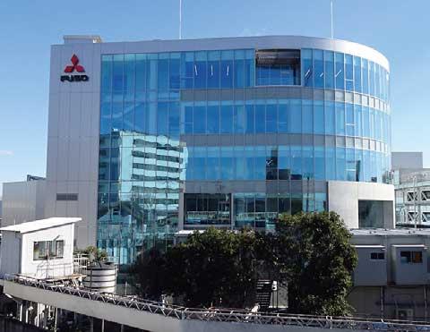 三菱ふそうの本社が移転された新社屋のプロダクトセンター...ザ・トラック