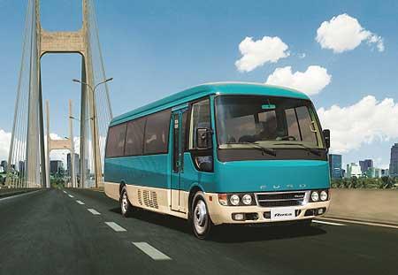 FUSOの小型バス「ローザ」...ザ・トラック