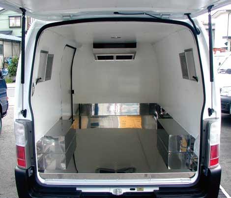 空調装置付きの実験動物運搬用。細かな室温調整が可能なこともありこの分野で同社は高いシェアを持っている...ザ・トラック