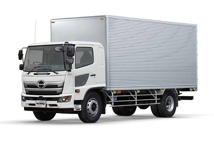 デザインを一新した新型「日野レンジャーFG」...ザ・トラック