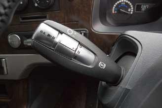 全車に標準採用された新型12速AMT「ShiftPilot(シフトパイロット)」...ザ・トラック