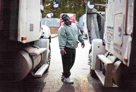 アメリカのドライバー勤務風景〈出所=Forbs誌電子版(撮影:David Goldman)〉...ザ・トラック