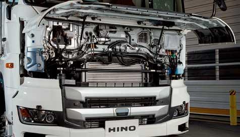 グリルドアの開口幅が拡がり整備性も向上...ザ・トラック