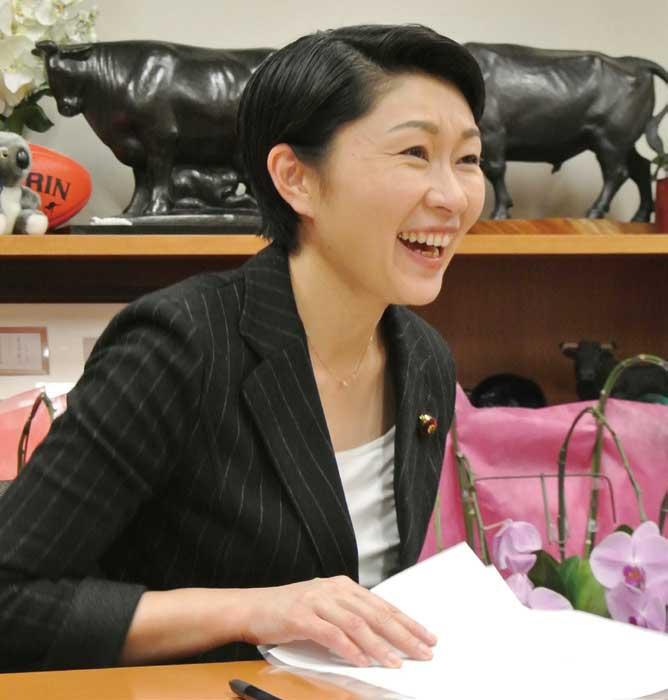 小渕優子(元経済産業大臣・衆議院議員)...ザ・トラック