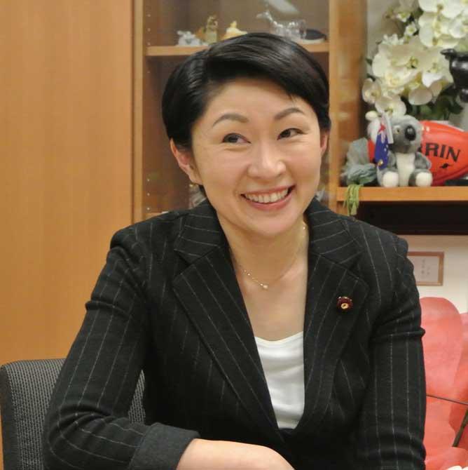 小渕優子氏(元経済産業大臣・衆議院議員)...ザ・トラック