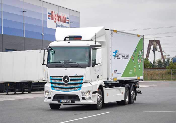 ダイムラー社の欧州向けではメルセデス・ベンツ車の大型eActros車が2018年に電動車を発表して物流現場に投入された...ザ・トラック