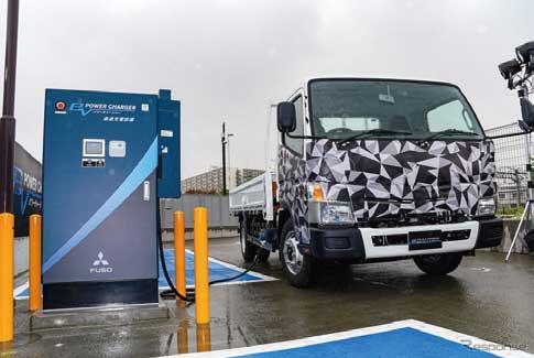 「eCanter」は100%電気で走行する環境に優しいトラックである...ザ・トラック