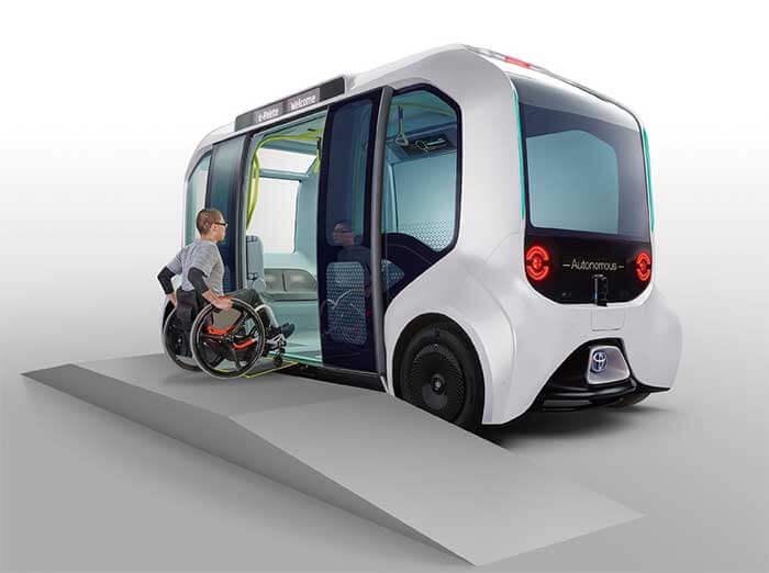 Autono-MaaS専用EVの「e-Palette(東京2020仕様)」は、大開口スライドドア、低床フロア、電動スロープ、正着制御などを採用し車椅子を含めた利用者のスムースな乗降を実現している...ザ・トラック