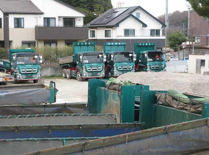 ダンプ、パワーショベル、建機 運搬車…ザ・トラック