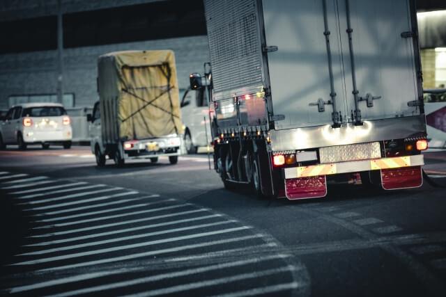 ボディタイプでも物流で活躍するトラック輸送フィールドは異なる!