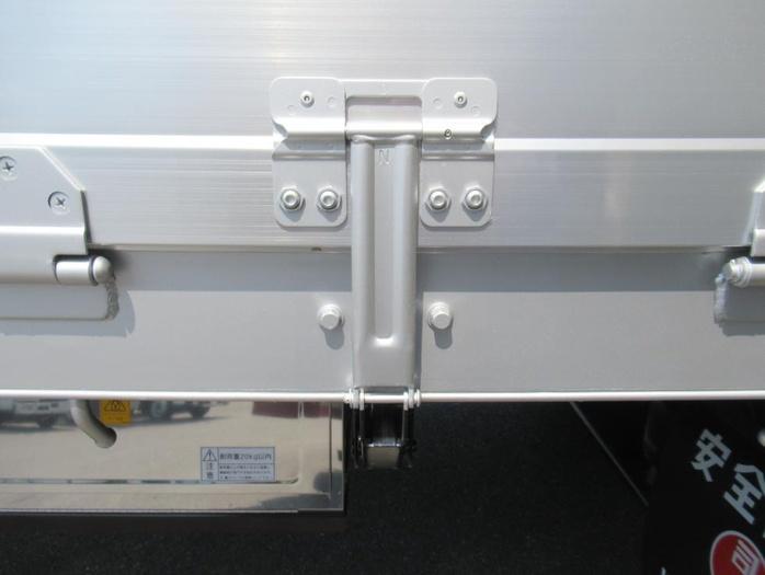 三菱 スーパーグレート 大型 平ボディ ハイルーフ アルミブロック 積載 13.9t トラック 画像 ステアリンク掲載