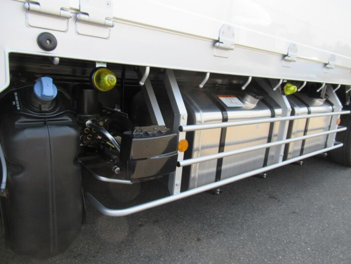 三菱 スーパーグレート 大型 平ボディ ハイルーフ アルミブロック 荷台 床の状態 トラック 画像 トラックサミット掲載