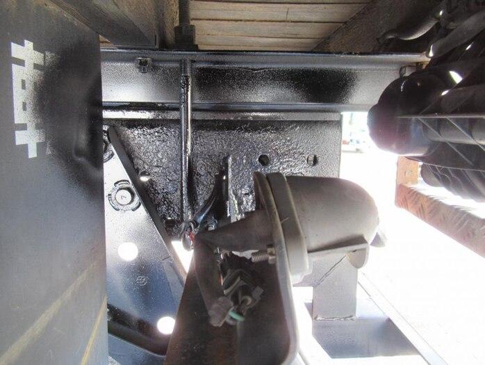 日野 プロフィア 大型 クレーン付 エアサス 3段|荷台 床の状態 トラック 画像 トラックサミット掲載