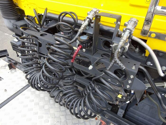 日産UD クオン 大型 トラクタ 1デフ エアサス 年式 H29 トラック 画像 トラックサミット掲載