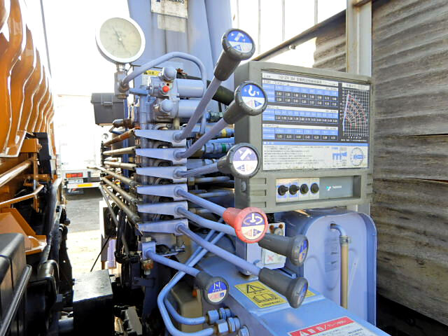 三菱 ファイター 中型 クレーン付 床鉄板 アルミブロック|リサイクル券 11,010円 トラック 画像 トラック市掲載